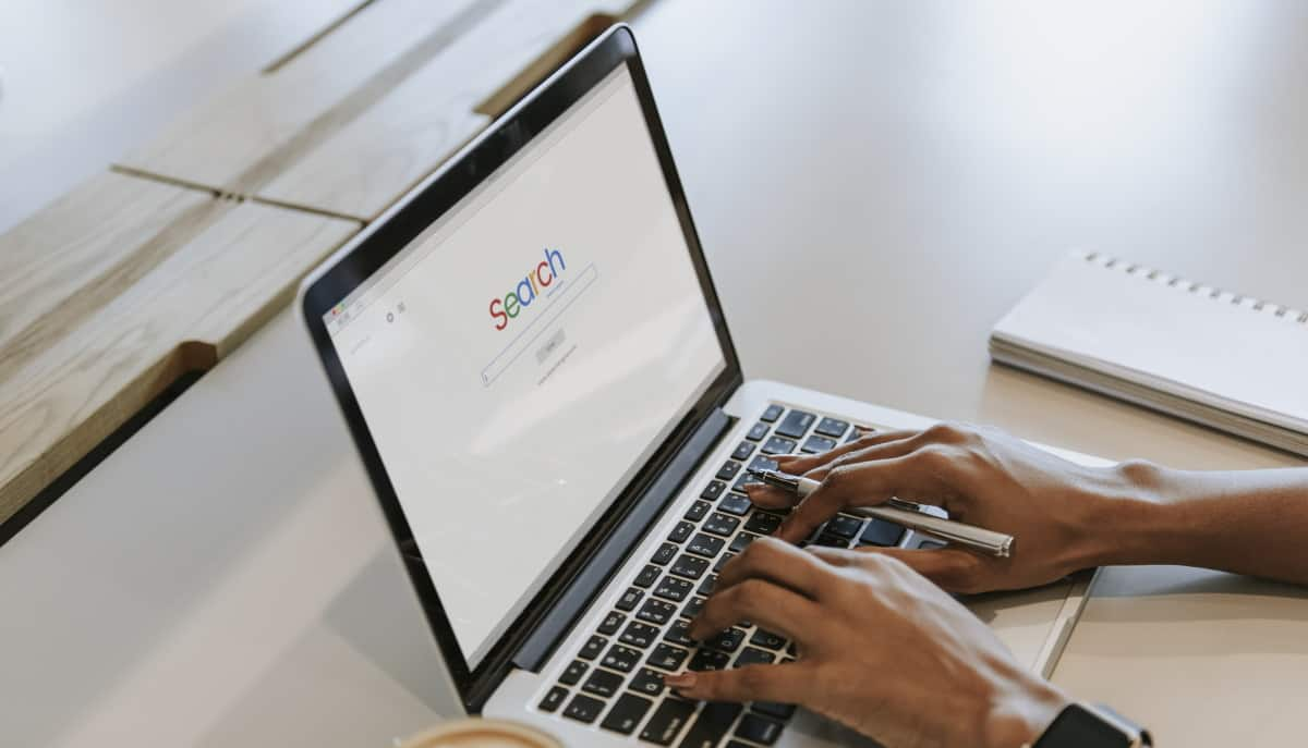 search-engine-on-a-computer